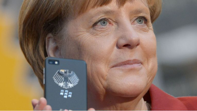 Kanzlerin Merkel als Türöffner für neue Geschäfte von Blackberry und Secusmart