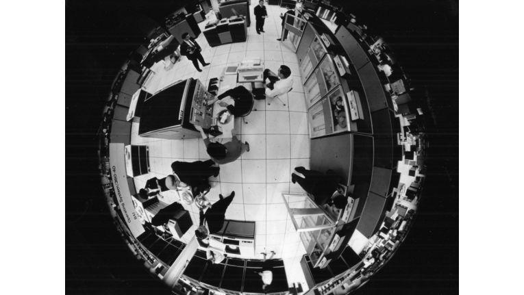 System /360 - Der Name war Programm: Die Zahl 360 im Produktnamen stand für die 360 Grad eines Kreises, was wiederum als Hinweis auf die universelle Einsetzbarkeit dieses Systems zu verstehen ist.