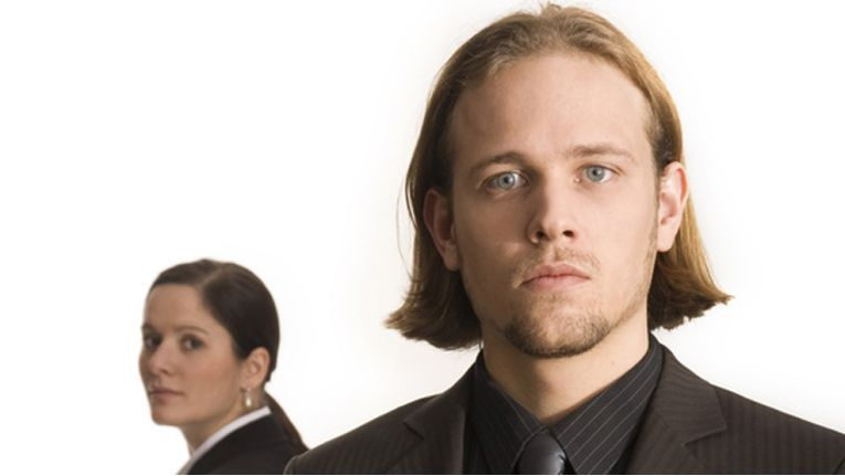 Bei einer Kündigung sollten Betroffene schnell ihre Bewerbungsunterlagen vervollständigen.