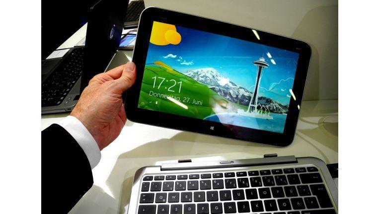 Der Tablet-Teil des HP Envy x2 lässt sich von der Hardware-Tastatur trennen und dann auch nur noch mit dem bloßen Finger bedienen.