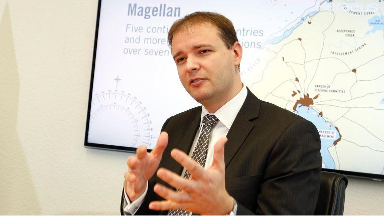 """Martin Ackermann, CIO bei Heraeus.: """"Wir haben ein umfangreiches Paket geschnürt, weil wir unsere Mitarbeiter an modernen Technologien teilhaben lassen."""""""
