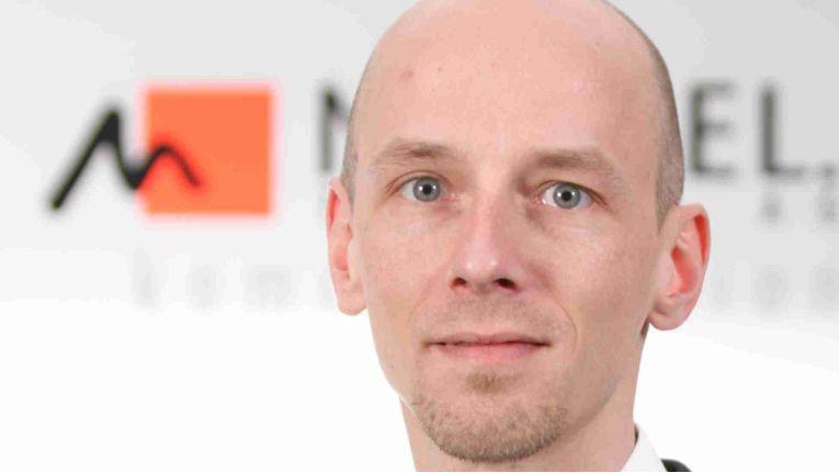 Oliver Hemann, Mitglied der Geschäftsleitung und Prokurist, zeigt sich sehr zufrieden über die neue Kooperation mit Klarmobil.