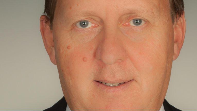 Falk Birkner, Geschäftsführer der Collax GmbH, informiert in einem Webcast über Hochverfügbarkeit für KMU