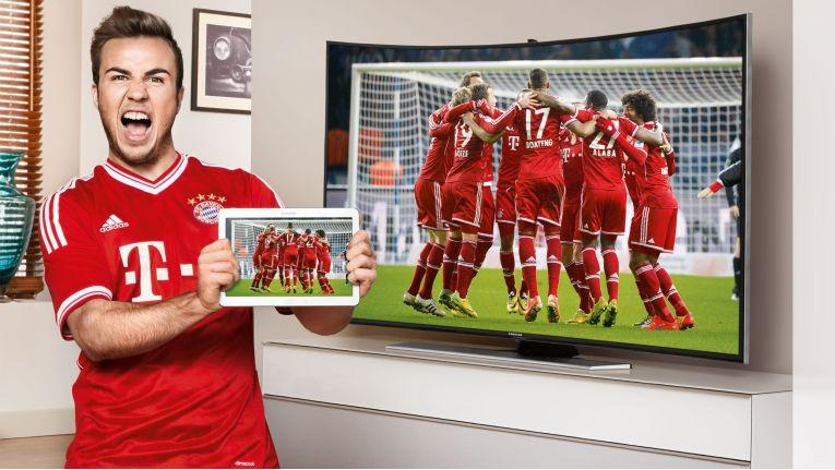 Auch Samsung-Werbeträger Mario Götze ist die Freude über die TV-Tablet-Aktion anzusehen.