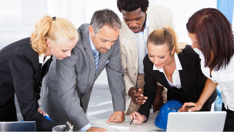 Meetings sollten dazu dienen, Projekte in gestraffter Form darzustellen.