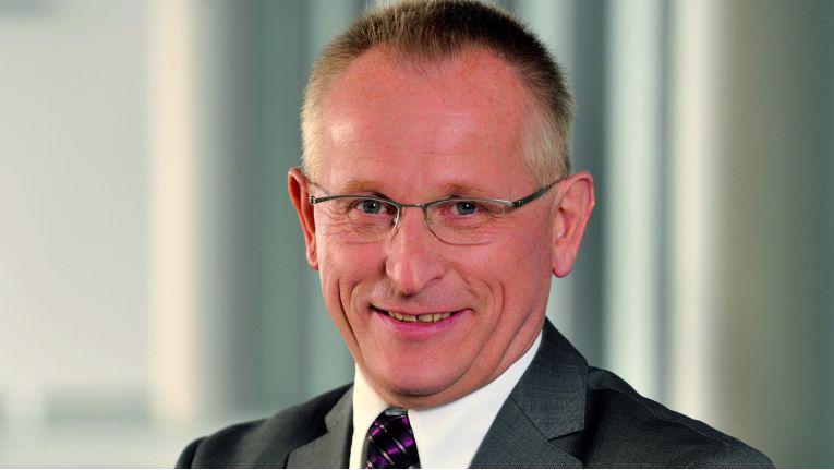 """Zum Select Partnerprogramm meint Jörg Brünig, Senior Director Channel Managed Accounts und Mitglied der Geschäftsleitung Deutschland: """"Unsere Partner nehmen die Reduzierung auf zwei Partnerstufen und die angepasste Zertifizierung sehr gut an."""""""