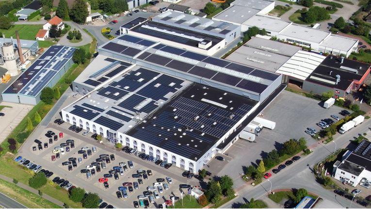 Am 23. August 2014 brannte es in Hüllhorst, dem Hauptsitz des Herstellers und Distributors Wortmann AG im nördlichen Ostwestfalen.