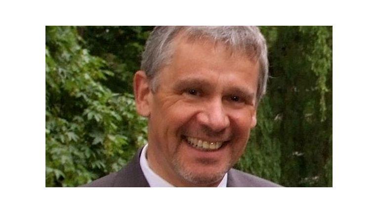 """Prof. Dr. Georg Rainer Hofmann. Kompetenzgruppe E-Commerce bei eco Verband: """"Einige der eCommerce-Trends 2014 werden sich 2015 als wichtige Faktoren am Markt für den Online-Handel wiederfinden."""""""