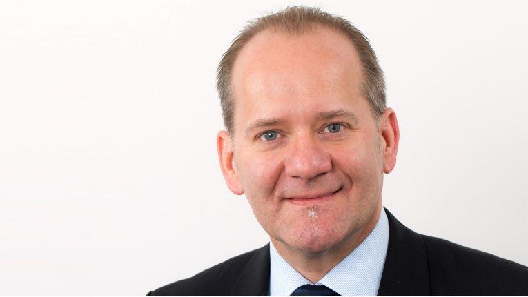 ''Es ist nach wie vor so, dass der Markt für Farb-Drucksysteme wächst, während der S/W-Markt zurückgeht'', Jürgen Krüger, Director Indirect Sales Channel bei Canon.