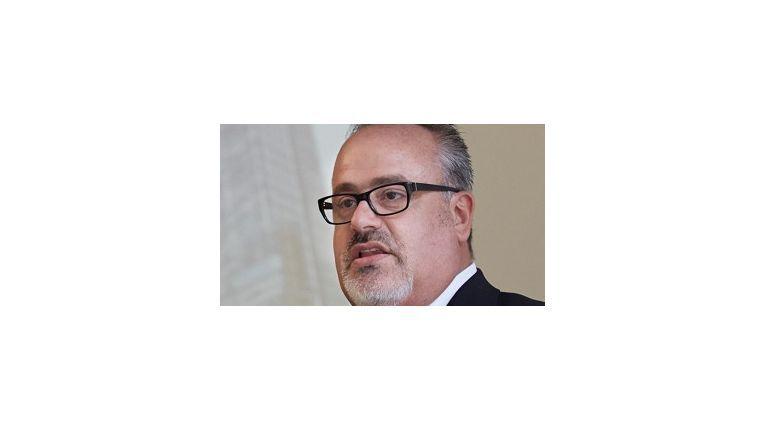 Guido Kersten, Director Sales and Business Unit HP Storage Germany, freut sich über die Investition Avnets in das Demo-System.