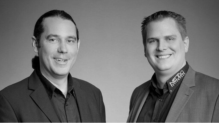 """""""Eine Herausforderung im neuen Jahr wird, nach wie vor, die Suche nach qualifizierten Mitarbeitern sein"""", blickt Geschäftsführer Benedikt Kisner, rechts im Bild, in das Jahr 2015 und Geschäftsführer Patrick Kruse freut sich, dass allen Azubis 2015 ein unbefristeter Vertrag angeboten wurde."""
