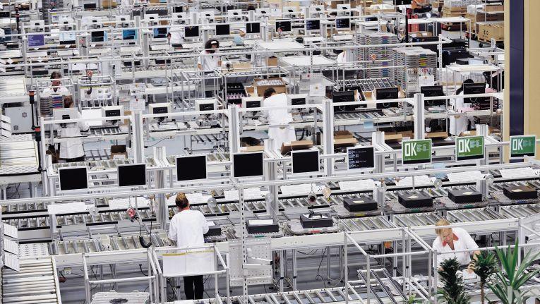 Mit dem Fujitsu-Werk in Augsburg wird auch die letzte Computer-Produktionsstätte in Europa verschwinden.