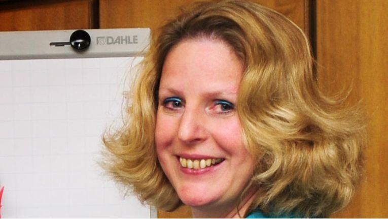 Verhandlungsexpertin und Trainerin Claudia Kimich bringt in ihren Seminaren unter anderem IT-Profis bei, wie sie verständlich kommunizieren.