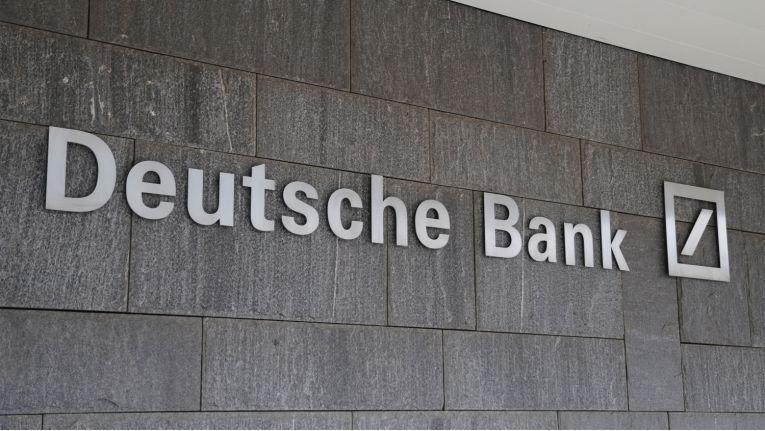Die Kunden der Deutschen Bank können nach der Lösung der massiven technischen Probleme im Online-Banking wieder ganz normal ihre Bankgeschäfte erledigen.
