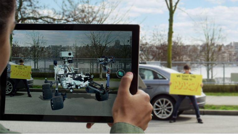 Schon bald mit Windows 10 möglich: Selbst entworfene 3D-Objekte in Umgebungsbilder einfügen.