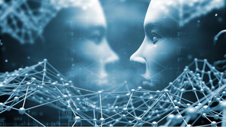 Multimodale Interaktion mit smarten Assistenten steht für das Zusammenspiel von Sprache, Schrift und Gestik.