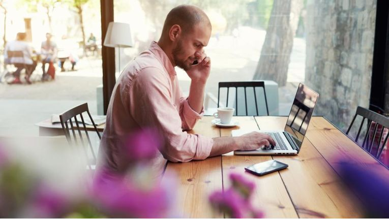 Programmierer sind unter IT-Selbständigen die mit Abstand begehrteste Zielgruppe der Einsatzunternehmen.
