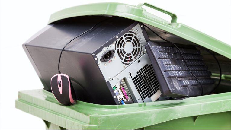 Seit einem Jahr können Verbraucher Elektroschrott bei Händlern zurückgeben.