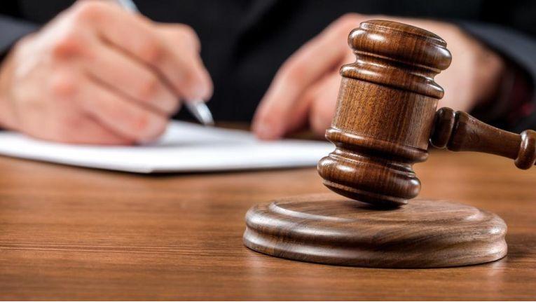 Das BVerfG hat die BAG-Rechtsprechung zur Befristung von Arbeitsverhältnissen aufgehoben und sachgrundlose Befristungen eingeschränkt.