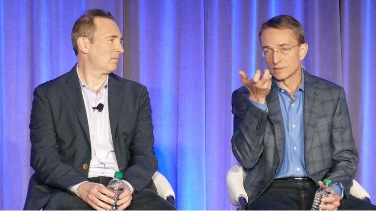 "Gemeinsam gegen die Microsoft-Cloud: AWS-CEO Andy Jassy (links) und VMware-Chef Pat Gelsinger kündigen ""VMware Cloud on AWS"" an."