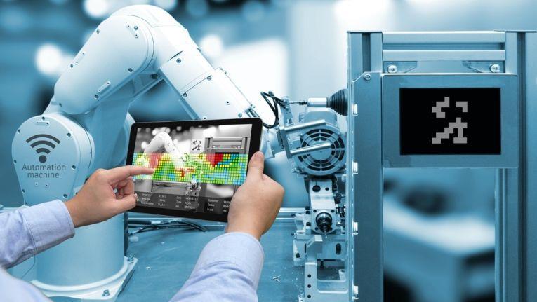 In der Zeit der Industrie 4.0 wird die Arbeit in Produktionsstätten oder Verwaltungen wird weniger.