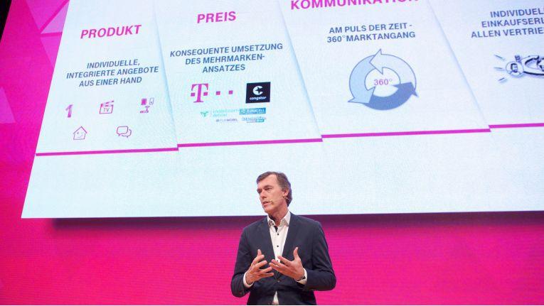 """Michael Hagspihl, Geschäftsführer Privatkunden bei der Telekom Deutschland GmbH: """"Kein langes Warten auf den Postboten, sondern schnell und unkompliziert wieder online sein."""""""