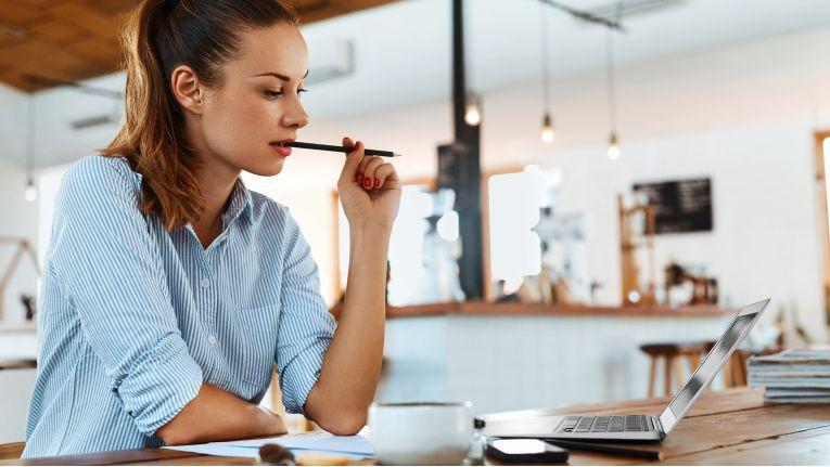 Immer mehr Menschen beschäftigen sich auch in ihrer Freizeit mit ihrer Arbeit.