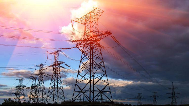 Ohne Strom funktioniert heute nichts mehr. Allerdings ist er nicht immer in der Qualität und mit der Zuverlässigkeit verfügbar, wie das eine durchdigitalisierte Gesellschaft erwartet.