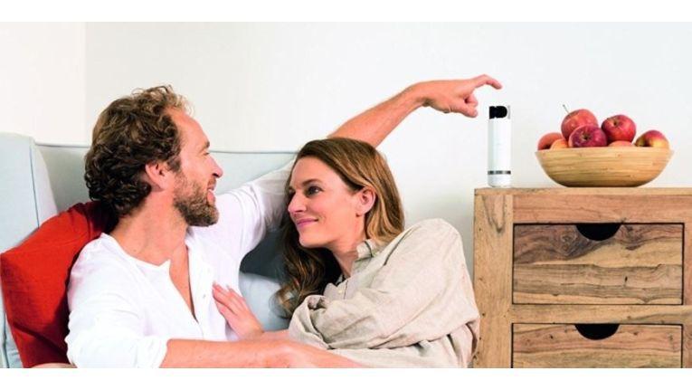 Die Bosch 360 Grad Innenkamera wahrt Ihre Privatsphäre und lässt sich ruck, zuck zuverlässig abschalten.