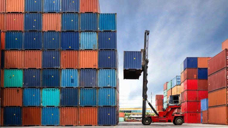 Gleich große Container: 147 Staaten weltweit unterstützen den dafür geltenden Container-Standard. Nur so ist der internationale Warenverkehr über den Seeweg überhaupt effizient möglich.