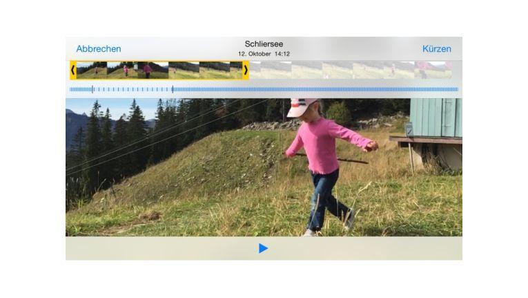 Anfang und Ende eines Zeitraffers und eines Slo-Mo-Videos können Sie kürzen. Bei einem Slo-Mo-Video (abgebildet) lassen sich zudem Anfang und Ende mit normaler Geschwindigkeit abspielen, was an dem blauen Streifen einstellbar ist.