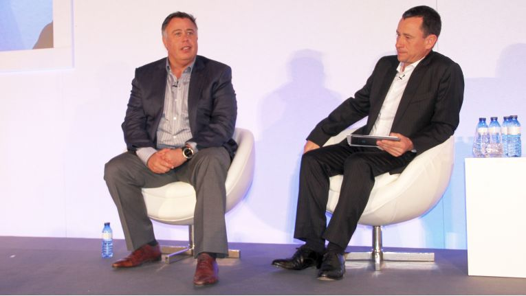 Dion Weisler, President and CEO bei HP Inc. (li.) wird sich auf dem Canalys Channels Forum in Barcelona wieder den Fragen der Reseller, moderiert von Canalys-CEOs Steve Brazier, stellen.