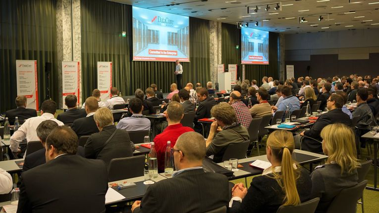 Das Bild zeigt die Partnerkonferenz 2015. DataCore rechnet für das kommende Event mit 250 Teilnehmern, 18 Ausstellern sowie rund 30 Vorträgen und Keynotes.