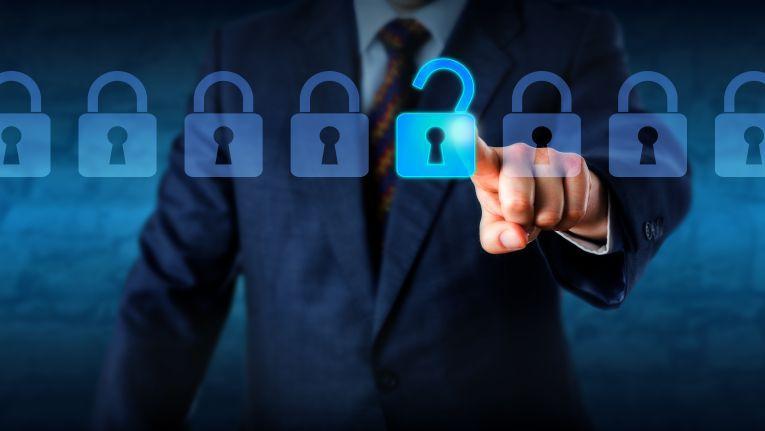 """Sauber und ohne Backdoors implementiert garantiert Verschlüsselung die Erfüllung der drei Sicherheitsziele """"Vertraulichkeit, Integrität und Verfügbarkeit""""."""