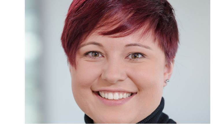 """""""Es geht nicht um die Optimierung bestehender Lösungen, sondern um die Entstehung völlig neuer Geschäftsfelder."""" Laura Geier, Commercial Lead IoT & Advanced Analytics, Microsoft Deutschland"""