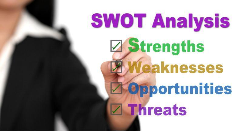 Verkäufer können sich die Idee der SWOT Analyse zu Nutze machen.