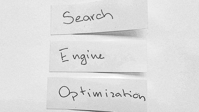 Search Engine Optimization (SEO) gehört zu den vordringlichsten Aufgaben eines jeden Webshop-Betreibers.