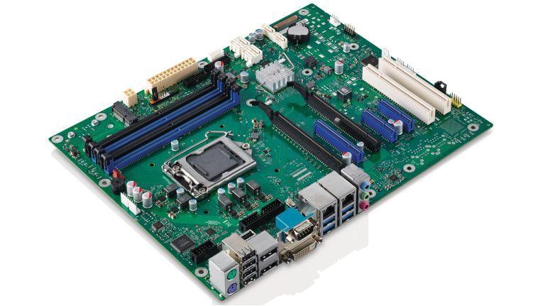 Ein Standard Desktop-Mainboard von Fujitsu.