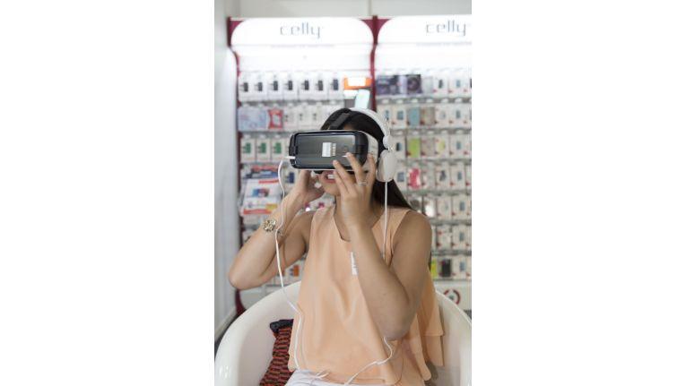 Virtual Reality wurde auf der Eno Hausmesse auch ganz praktisch greifbar.