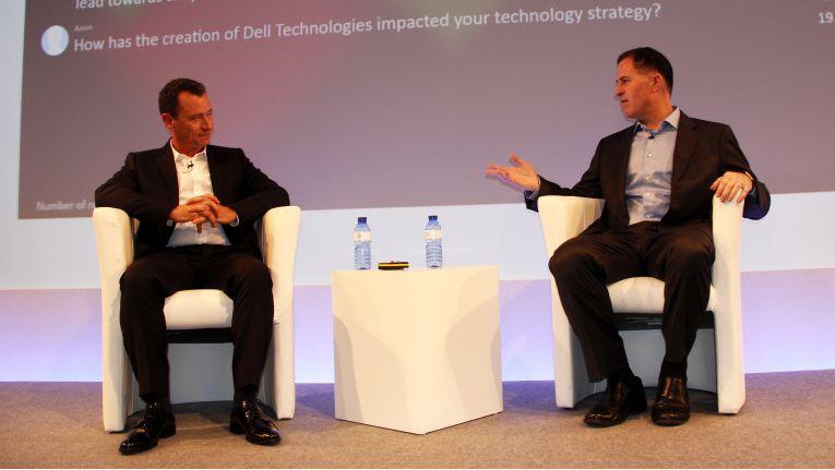 Michael Dell (rechts) stellt sich auf dem Canalys Channels Forum in Barcelona den Fragen der Systemhausvertreter, moderiert von Canalys-CEO Steve Brazier.