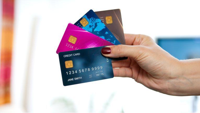 Der Payment Card Industry Security Standards Council (PCI-SSC) liefert Händlern mit dem Data Security Standard (PCI-DSS) Vorgaben, wie sie Zahlungsdaten ihrer Kunden speichern und bearbeiten sollen.