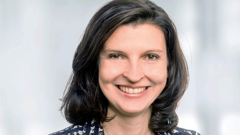 """""""Wir wollen mit den AGB-Empfehlungen für mehr Durchblick bei den rechtlichen Vorgaben sorgen und Unternehmen bei der täglichen Vertragsformulierung und -abwicklung unterstützen"""", so Anja Olsok, Geschäftsführerin der Bitkom Servicegesellschaft."""