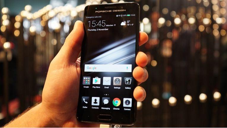 Huawei-Smartphones: Die Nutzer sind ingesamt sehr zufrieden, aber nur rund die Hälfte würden die Geräte weiterempfehlen.