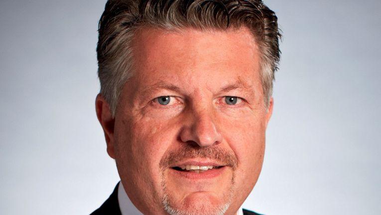 Thomas von Baross, Managing Director, Vice President Central, Northern and Eastern Europe bei D-Link, freut sich, den erfahrenen Manager Gunther Thiel, als Länderchef für die DACH-Region gewonnen zu haben.