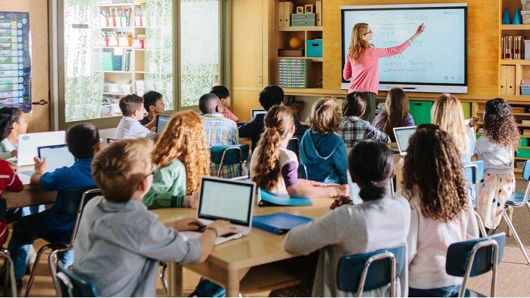 …sowie Lösungen für Schulen, Universitäten und anderen Bildungseinrichtungen.