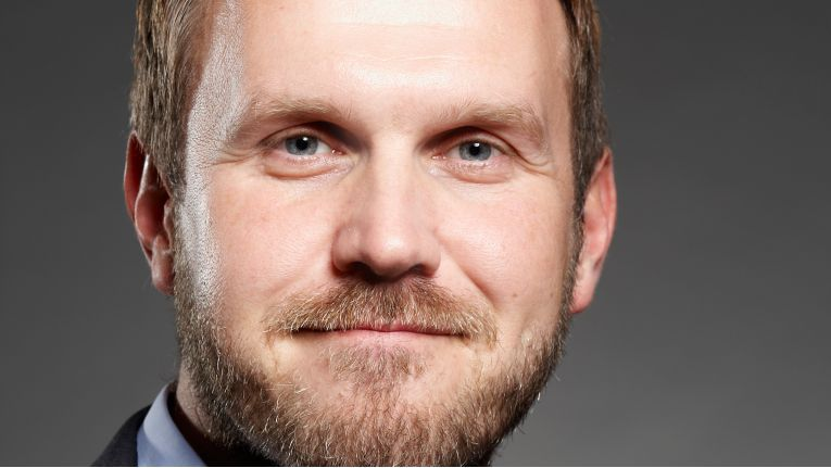 Mike Rakowski, Head of Business Unit Technology bei Also Deutschland, hebt die Fachhandelstreue von WatchGuard hervor.