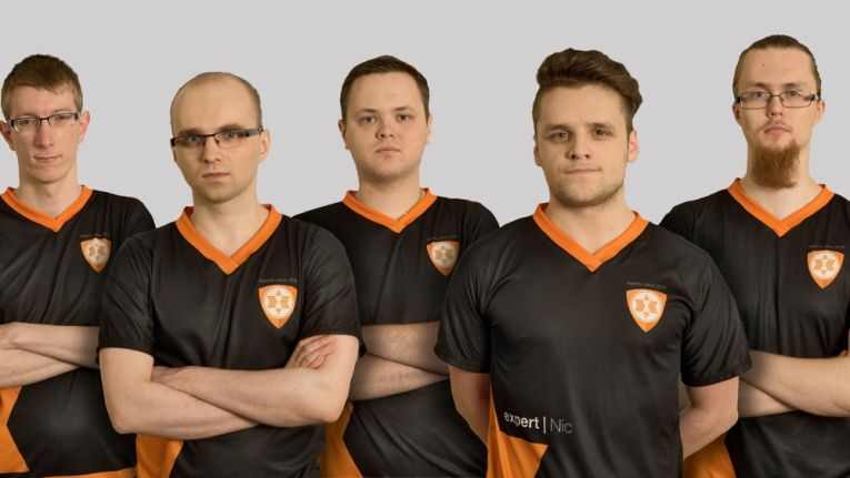 "Ab sofort bei Expert unter Vertrag: Das E-Sport-Team ""Heroes of the Storm"""