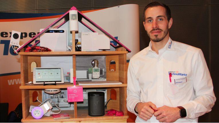 Auch die Elektronikmärkte haben das Thema ''Smart Home'' entdeckt und bieten schon eine Reihe an Lösungen für die Heimautomatisierung. Einige davon gibt es bei der Smart Home Messe in Germering zu sehen.
