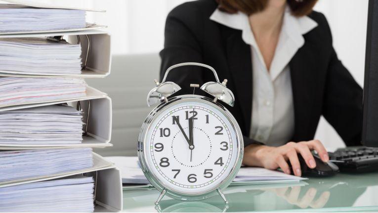 Bei der Arbeitszeiterfassung kommt es auf rechtliche Grundkenntnisse, klare Regelungen, Ehrlichkeit und eine hilfreiche wie unbestechliche Dokumentationstechnik an.