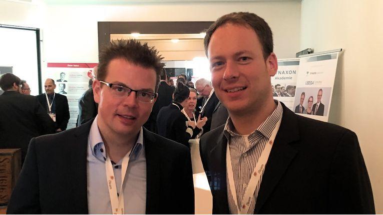 """""""Die Acmeo war dabei von Anfang an unsere erste Wahl"""", so Mike Bergmann, Mitgründer und Geschäftsführer von Visoma (links) mit Acmeo-Chef Henning Meyer."""
